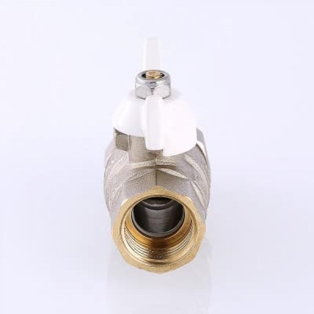 Кран шаровой VALTEC BASE с полусгоном (американкой) и дополнительным уплотнением , бабочка белая 1/2'
